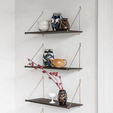 Loop Shelf Dark fra We Do Wood
