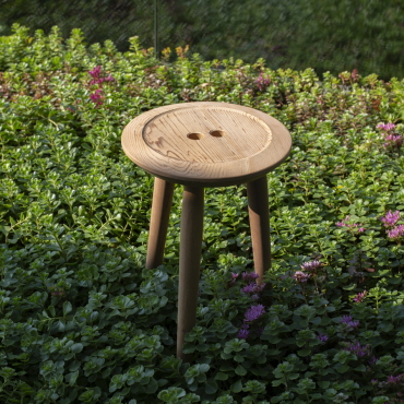 Skammel, New Button Stool, 100% upcycling