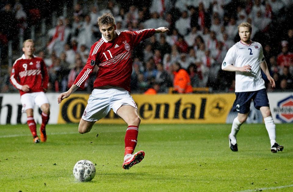 Nicklas Bendtner i topform under EM-kvalifikationskampen imod Norge den 6. september 2011. Her scorede han begge mål i Danmarks 2-0 sejr.