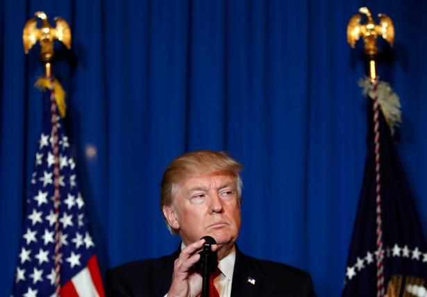 Donald Trump på et pressemøde sent torsdag amerikansk tid, efter at han har beordret angrebet på Syrien. Trump beskyldte den syriske præsident for at have slået uskyldige mennesker ihjel på den mest grusomme vis.