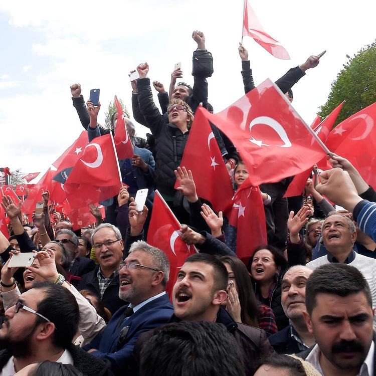 20 turkeys constitutional referendum - 620×464