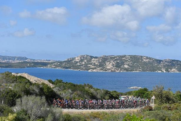 2. etape i Giro d'Italia sender rytterne ind i baglandet på Sardinien. Foto: La Presse-D'Alberto/Ferrari.