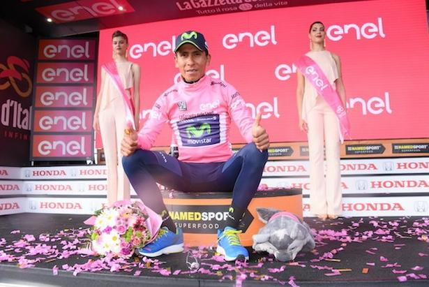 Nairo Quintana har sikret sig endnu en lyserød førertrøje i tilgift til de fem, han erobrede i 2014, da han sejrede sammenlagt. Foto: La Presse-D'Alberto/Ferrari.