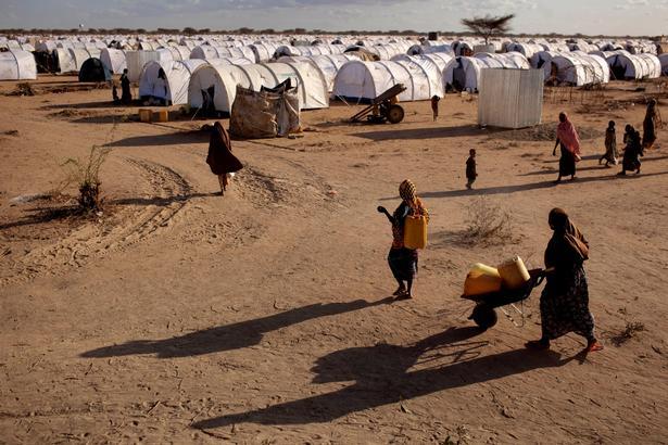 På billedet ses flygtningelejren Dadaab i Kenya, som flere somaliske børn har forladt til fordel for hjemlandet Somalia.