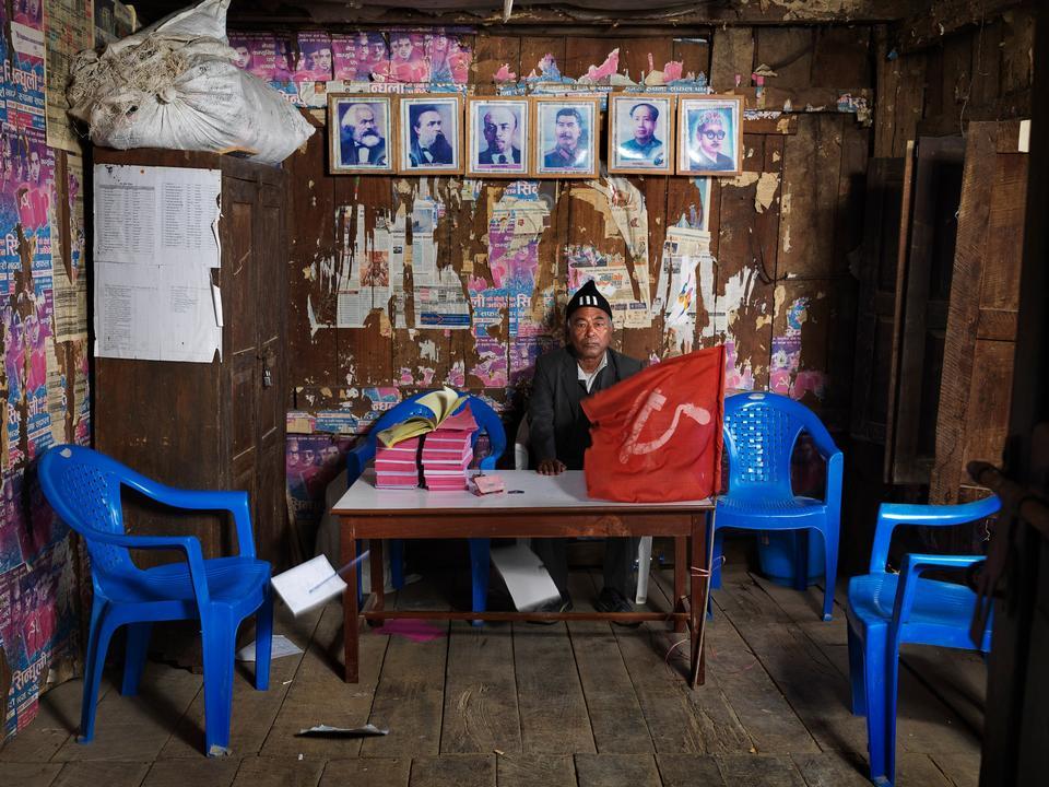 Nepal. Lila Shrestha er sekretær i det nepalesiske kommunistparti - et marginalt parti, der ikke vandt nogen direkte indflydelse ved Nepals valg i 2013.