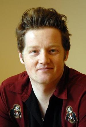 Simon Malkenes er lektor og forfatter