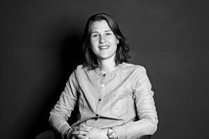 Lysdesigner Imke Wies van Mil eri gang med en erhvervs-Ph.d, som er et samarbejde mellem Kunstakademiets Arkitektskole og Henning Larsen Arkitekter.