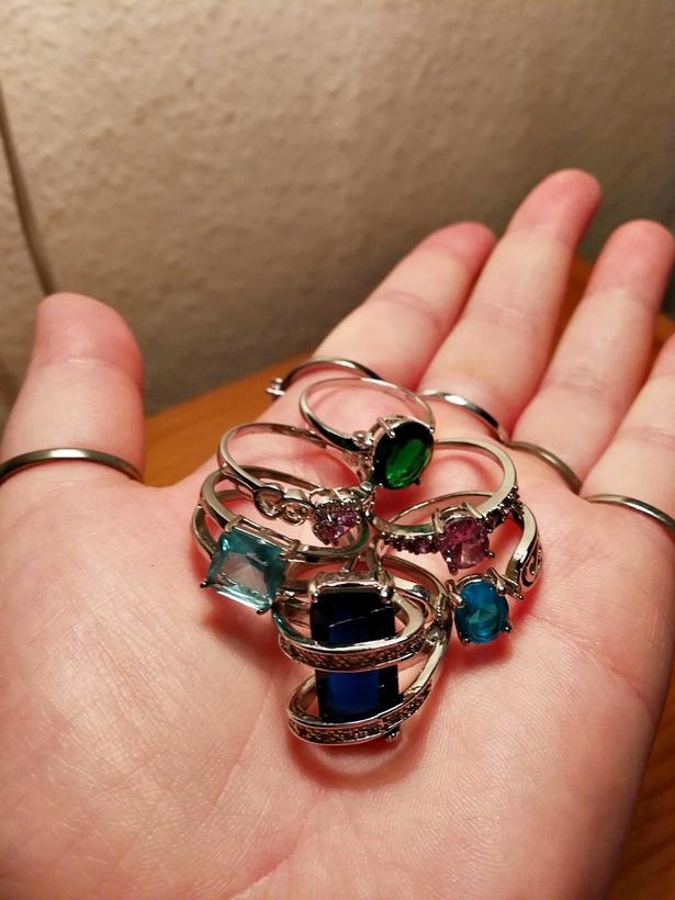 Et udvalg af Maria Norddahl Bjerringfelts smykker fra Wish.com.