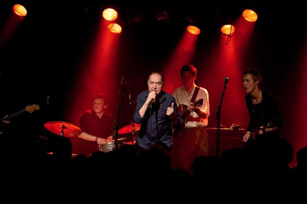 Niels Skousen er fortsat aktiv på de danske musikscener. Her ses han under en koncert i  Lille Vega i København.