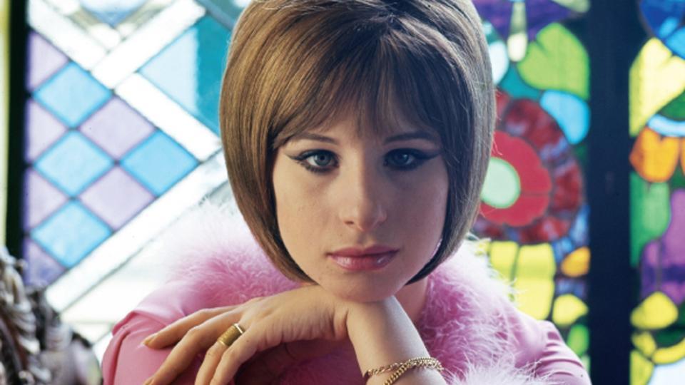 Barbra Streisand fik klonet sin hund to gange - politiken.dk
