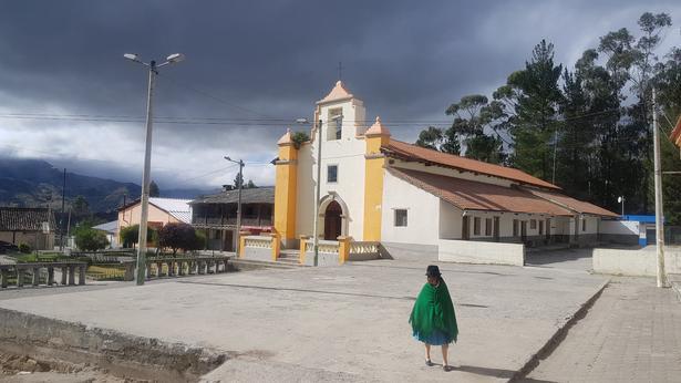 Selv om man er langt fra de større byer, indkøbsmuligheder og restauranter, er det stadig muligt at tage til gudstjeneste i de små landsbyer.