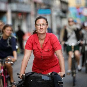 Det tager  mange år at sikre en storby som København mod oversvømmelser. Til gengæld kan vi love en bedre by med flere blå og grønne byrum, skriver Københavns teknik- og miljøborgmester Ninna Hedeager Olsen.