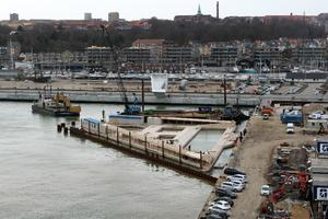 Havnebadet ved Bassin 7 under opførelse i april 2018.