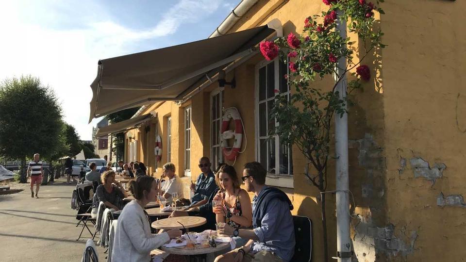 Ny Italiensk Restaurant Med Stor Aperolterrasse åbner På