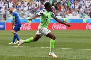 Ahmed Musa stemplede ind i dette VM med to mål. Han scorede også to gange ved VM i 2014 - mod Argentina.