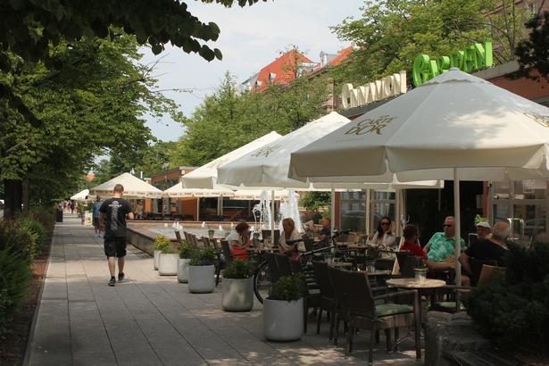 Der ligger en række gode cafeer på Aleja Papieza Jana Pawla II.