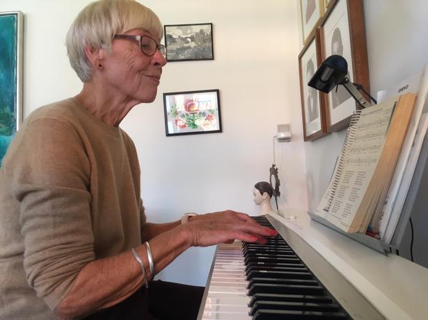 Aase Madsen har været med til at drive Musiklærerforeningen på Bornholm i mange år.