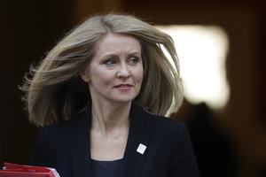 Beskæftigelsesminister Esther McVey meddelte  torsdag 15. november, at hun forlader den britiske regering.