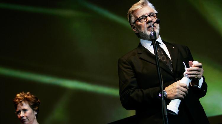 Morten Grunwald blev dansk folkeeje som Benny i Olsen-banden, men han har også høstet stor anerkendelse som karakterskuespiller på teater og i film. Her modtager han i 2008 en Bodil for Bedste mandlige birolle i filmen 'Hvid nat'.