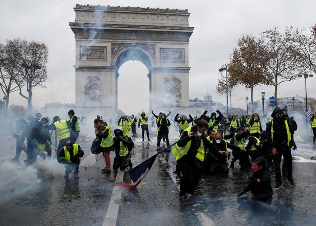 I weekenden var der voldsom ballade i det centrale Paris.