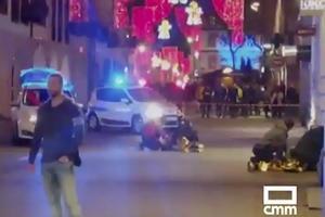 Folk lagde sig på jorden, da skyderiet begyndte.