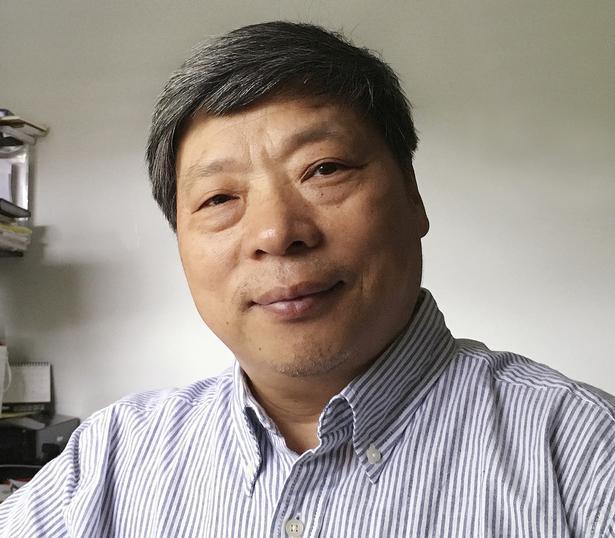 Lu Guang er en af Kinas mest kendte fotografer. Dette billede er taget få uger før hans forsvinden.