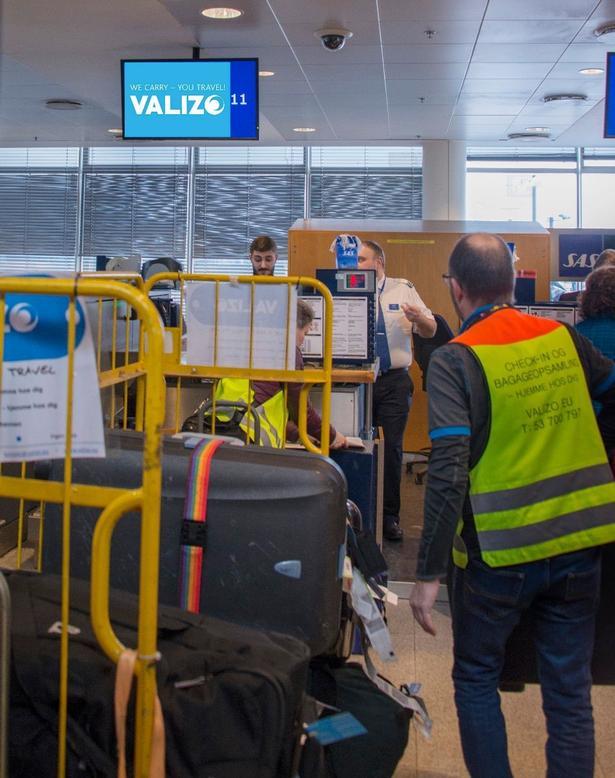I Københavns Lufthavn sørger Morten Nannestad for, at bagagen bliver afleveret og sendt til den rigtige destination.