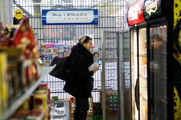 De små enkeltmandskiosker er under pres fra supermarkeder og kæder.