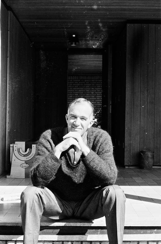 Jørn Utzons første store projekt var Operahuset i Sydney, og sammen med ingeniøren Ove Arup fik han skabt et af verdens mest fotograferede bygningsværker. Foto: Utzon Archives