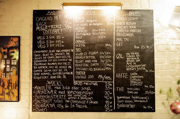 Motleys har få men gode vine. Og priserne er så lave, at de fleste kan være med.