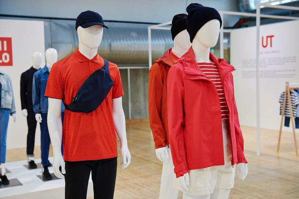 Uniqlo er blevet store i Asien ved at nyfortolke europæiske og amerikanske klassikere som polotrøjer, dunjakker, sweatshirts mv.