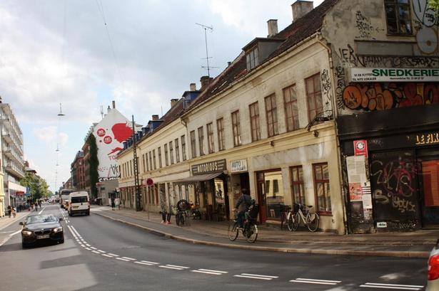 Fotoet er taget, før Enghavevej 10-14 på Vesterbro i København blev revet ned.
