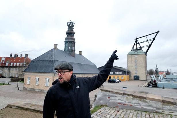 Direktør for stiftelsen Georg Stages Minde Asser Amdissen frygter, at Nyholm bliver udlagt til tæt boligbyggeri.