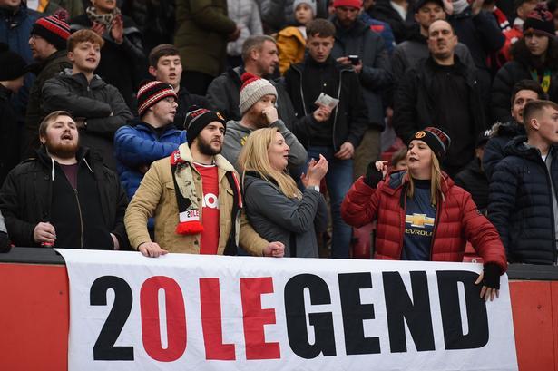 Manchester Uniteds fans elsker manager  Ole Gunnar Solskjær.