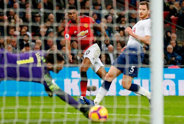Marcus Rashford viste sig søndag fra sin skarpeste side, da han før pausen bragte Manchester United foran på Wembley mod Tottenham.
