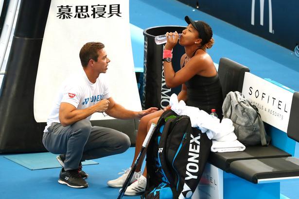 Sascha Bajin har haft et meget vellykket samarbejde med den unge japaner Naomi Osaka, men uden at angive en årsag er det nu forbi.