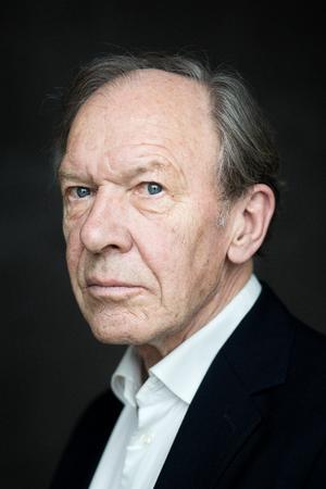 Erik Rasmussen har snart 60 års-jubilæum i den danske mediebranche. Vi taler med ham om den udvikling, han har været journalistisk vidne til - og fokuserer især på klimadagsordenen, som har taget fart inden for de senere år.