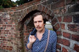 """Forfatteren Kristian Leth fotograferet i Jamers Tårn. Kristian Leth er aktuel med bogen """"Håb - et forsvar for fremtiden""""."""