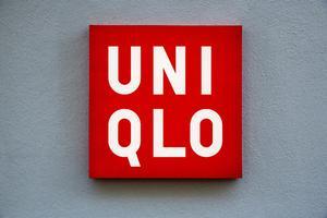 Emma skal hjælpe os med at lave et cover på at internationale kædebutikker indtager København ??? næste fredag åbner Uniqlo på Vimmelskaftet.