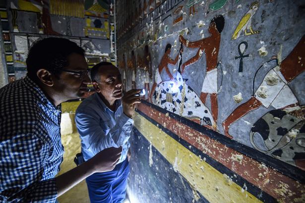 Graven er fundet i Sakkaraområdet, 35 kilometer syd for Kairo, hvor andre store faraoer også ligger begravet.