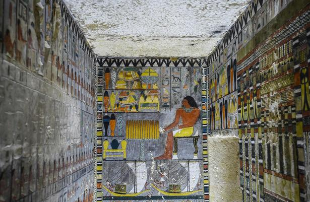 En over 4.000 år gammel embedsmands grav formodes at kunne kaste lys over den gådefulde farao Djedkare Isesis liv.