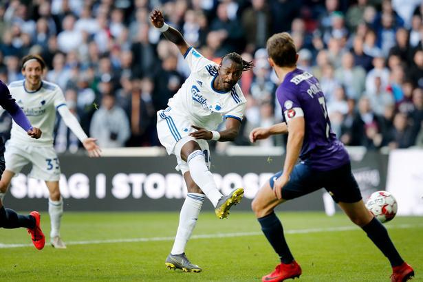 Med dette højrebensspark til 2-0 nåede Dame N'Doye på 17 mål i denne sæson. Senere scorede han nummer 18.