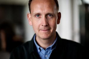 Portræt af Klaus Thomsen, manden bag Coffee Collective, til det faste Ibyen-format 'Skål i byen' om drikkevaretendenser i København.