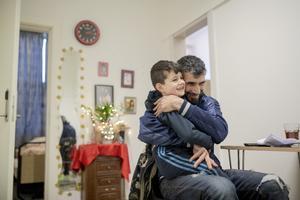 Mohammed Amin er faren der filmede drengen med kartoflerne på Sjælsmark.