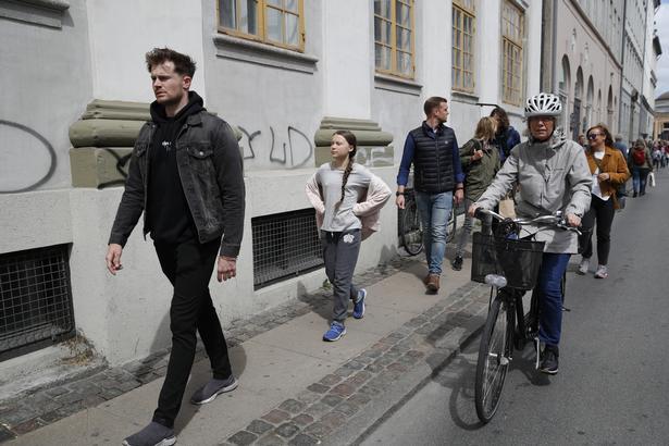 Og så til fods gennem København