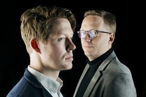 Under valgkampen skal Anders Bæksgaard og Kristian Madsen på skift og hver fredag i en fast valgpodcast evaluere ugen. Til den særlige valgudgave af Du lytter til Politiken vil vi gerne have et boyband-billede af Anders og Kristian - altså et fælles portræt samt individuelle portrætter.