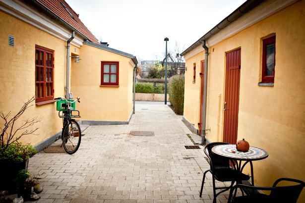 Den Gule By på DSB-arealet ved Otto Busses Vej.