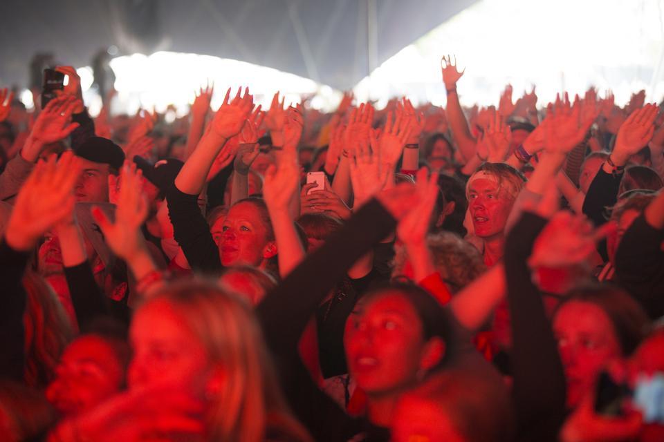 Publikum til Scarlett Pleasure, Arena, lørdag. Foto: Thomas Borberg