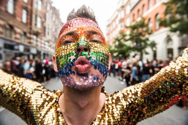Masser af trutmund, glitter og glade dage under Pride Week
