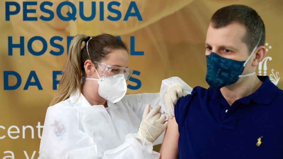 Danskerne risikerer at måtte komme bagerst i vaccinekøen
